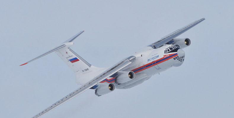 Самолет Ил-76 МЧС прилетел на тушение пожара