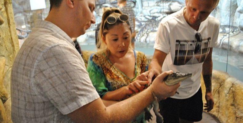 Анита Цой и Филипп Киркоров стали «названными мамой и папой» (видео)