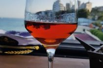 В Крыму придумали, как избавиться от порошкового и некачественного вина
