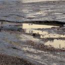 Власти Ялты пояснили, почему на нескольких улицах до сих пор не провели запланированный ремонт дорог