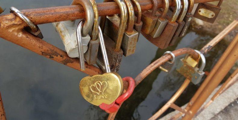 Олег и Алёна Волковы, на вашу любовь совершено покушение! РЕПОСТ. Ищем влюбленных.