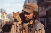 Симферополь: власти возвращают шлагбаум, общественники ищут музыканта