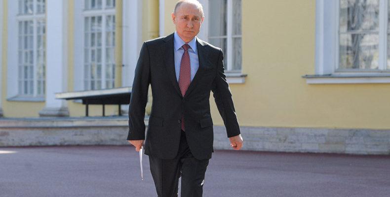 Путин утвердил 15 критериев оценки работы губернаторов