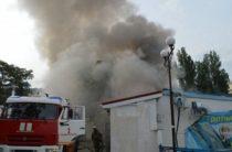 В плену дыма и пламени: в Севастополе сгорел дельфинарий