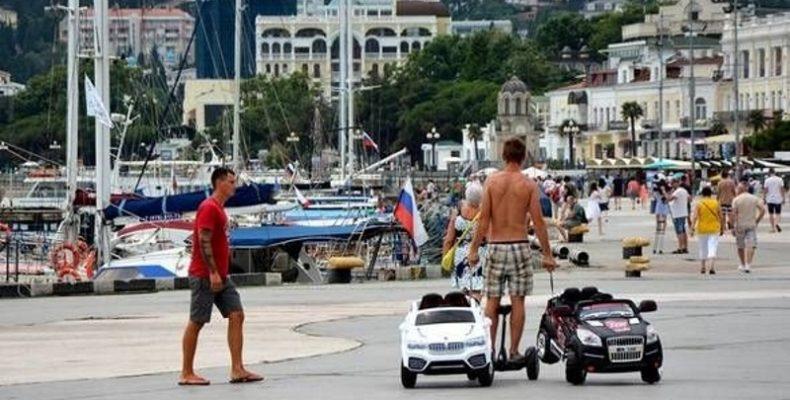Туристическая полиция появится в Ялте этим летом