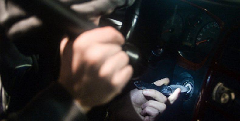 В Ялте угнали и разбили автомобиль