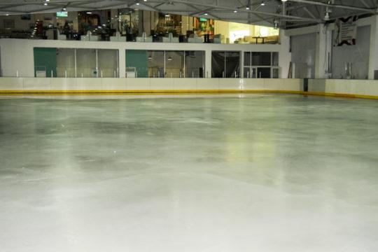 В Ялте начинают подготовку к установке на набережной ледового катка