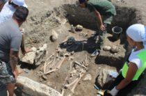 Крым: найден античный склеп