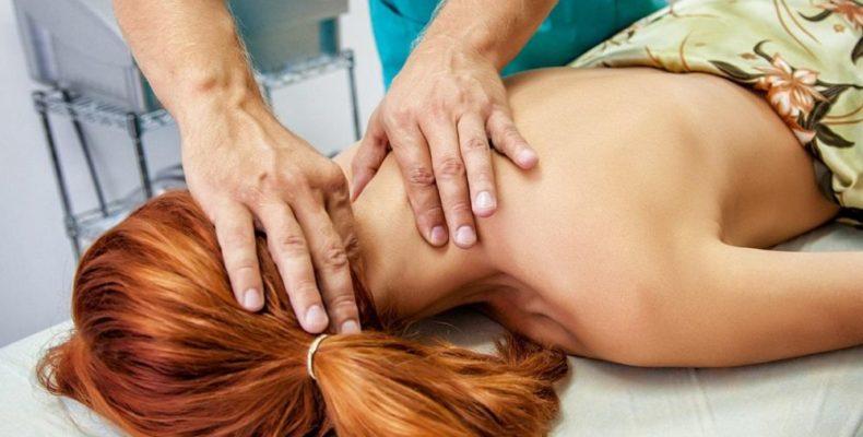 В Керчи мануальный терапевт сломал шею пациентке
