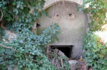 В Керчи исследуют заваленный бункер в толще горы Митридат