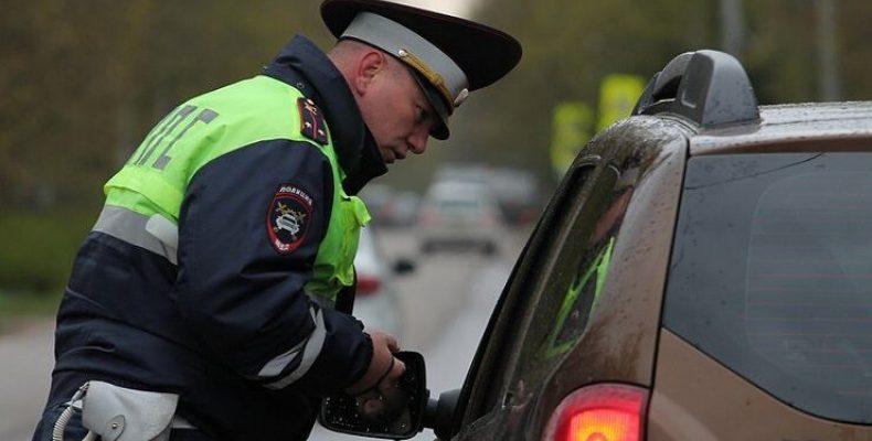 Для водителей вводят новый админштраф в 50 000 рублей