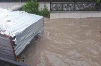 В Крыму дождем смыло вагончик с человеком внутри